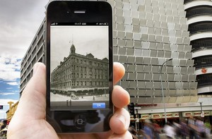 11 Ways to Use Your Smartphone as a Travel Guide